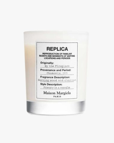 Produktbilde for Replica By The Fireplace Scented Candle 165g hos Fredrik & Louisa